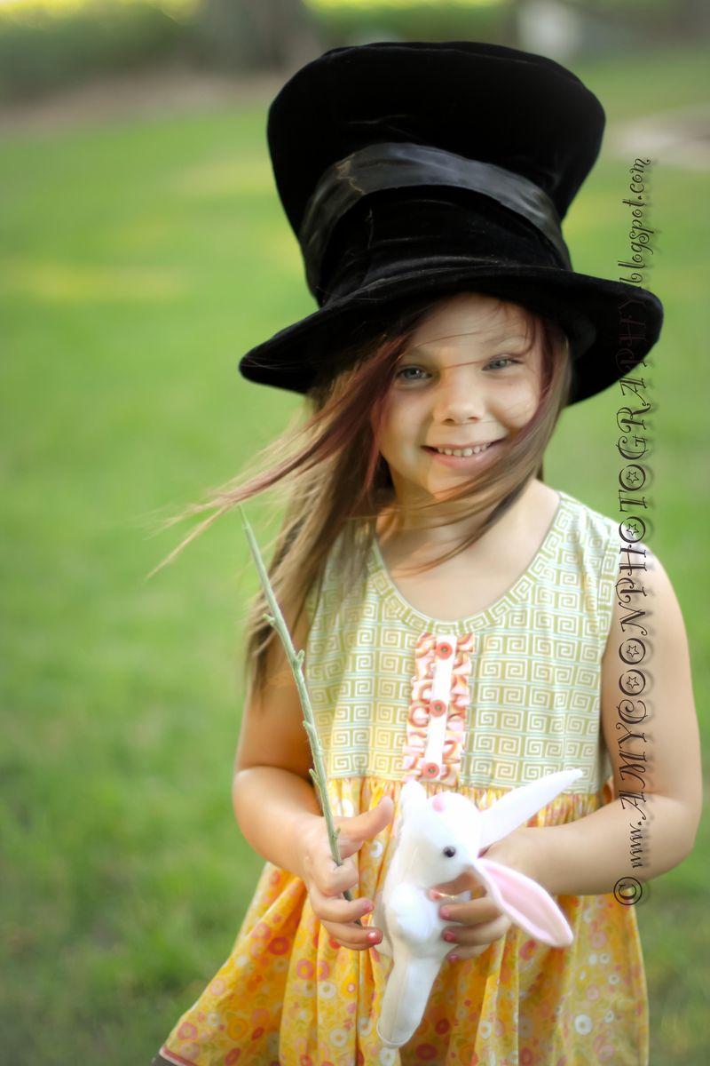 Magician Jaycie bw-10